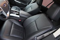 2011 Ford Edge front seats