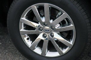 2011 Ford Edge wheel