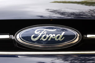  2012 Ford Grand C-Max emblem