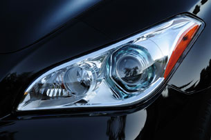 2011 Infiniti M37 headlight