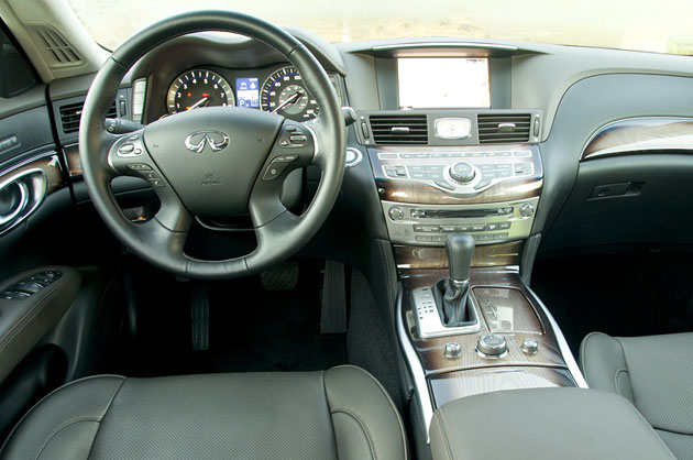 review 2011 infiniti m37 autoblog. Black Bedroom Furniture Sets. Home Design Ideas