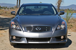 2011 Infiniti IPL G Coupe, front view