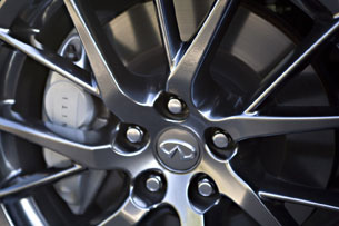 2011 Infiniti IPL G Coupe, wheel detail