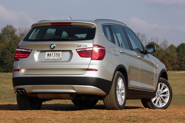 2011 BMW X3 rear 3/4 view