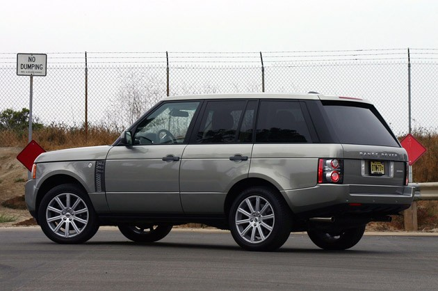 2011 Land Rover Range Rover Supercharged rear 3/4 view