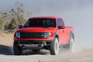 2010 Ford F-150 SVT Raptor 6.2 off-roading
