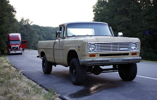 International Lifted Truck >> How Not to Buy a Project Vehicle: The tale of the 1975 International Pickup - Autoblog