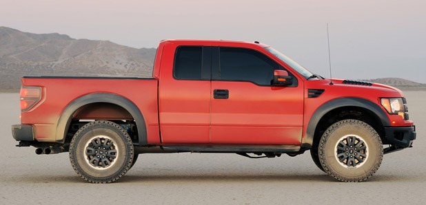2010 Ford F-150 SVT Raptor 6.2 side view