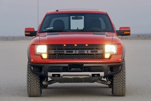 2010 Ford F-150 SVT Raptor 6.2 front view