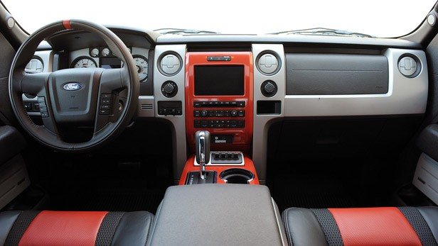 2010 Ford F-150 SVT Raptor 6.2 interior