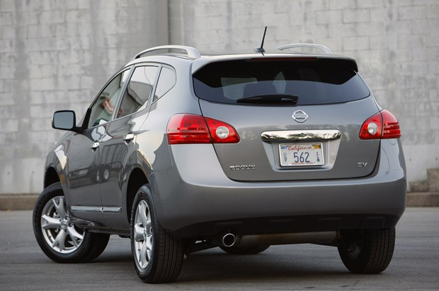 2011 Nissan Rogue rear 3/4 view