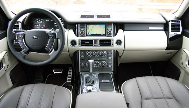 2011 Land Rover Range Rover Supercharged interior