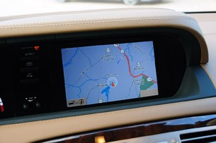 2011 Mercedes-Benz CL63 AMG navigation system