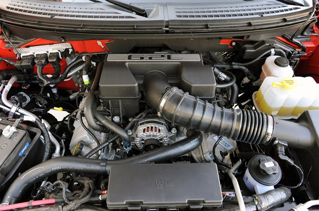 2010 Ford F-150 SVT Raptor 6.2 engine