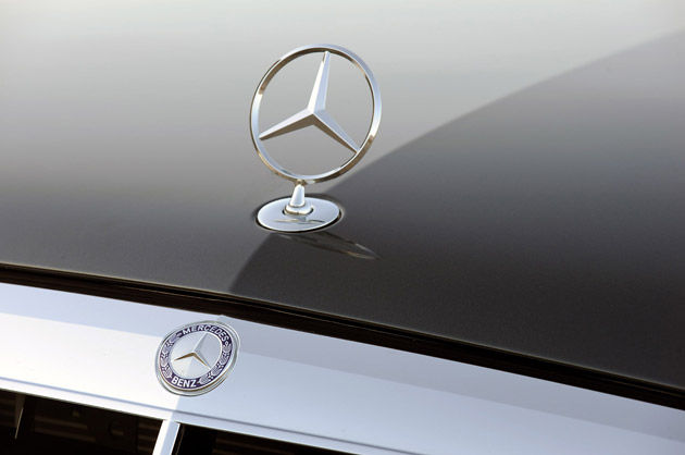 Report mercedes overtakes lexus as leading luxury for Mercedes benz insignia