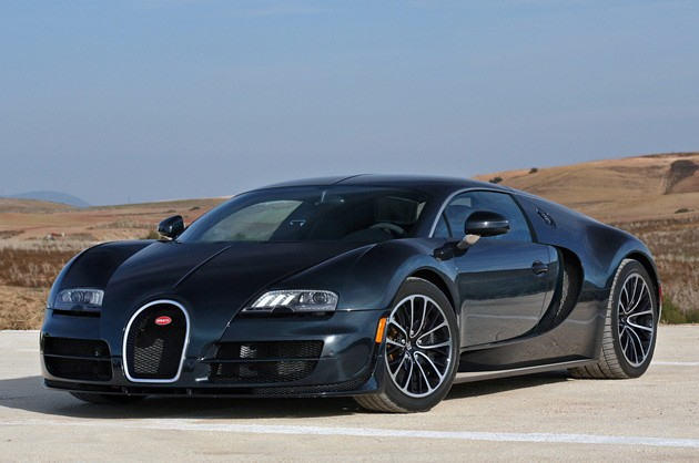 2011 Bugatti Veyron Super Sport front 3/4 view