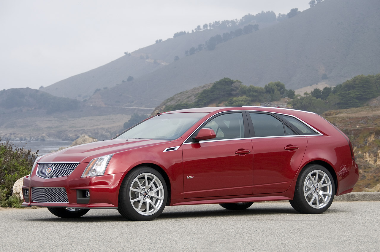 2011 cadillac cts v wagon first drive photo gallery. Black Bedroom Furniture Sets. Home Design Ideas