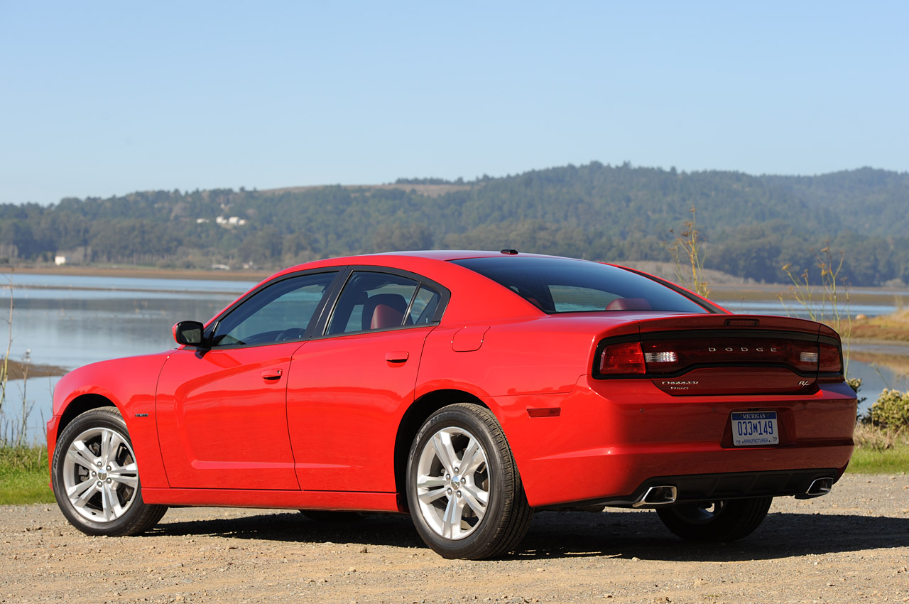 2011 dodge charger first drive photo gallery autoblog. Black Bedroom Furniture Sets. Home Design Ideas