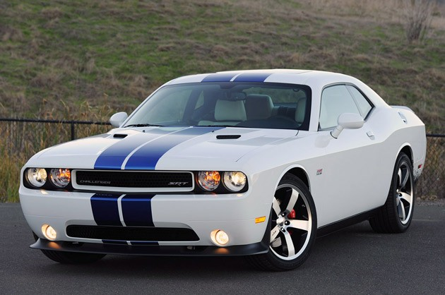 2011 Dodge Challenger SRT8 392 (above) and SE V6 (below) - Click above