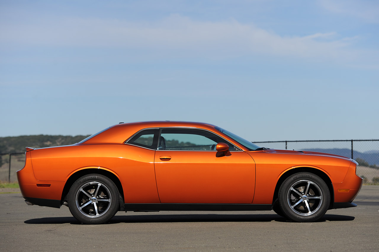 2011 dodge challenger se first drive photo gallery autoblog. Cars Review. Best American Auto & Cars Review