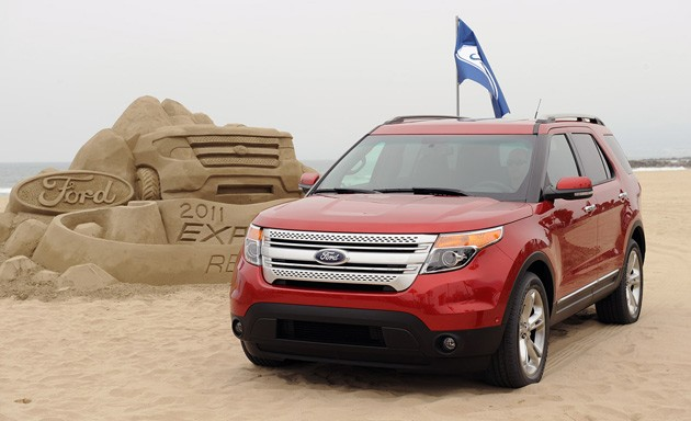 2011 Ford Explorer hangs on the beach