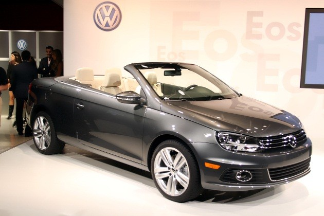 2012 Volkswagen Eos - live reveal at 2010 Los Angeles Auto Show