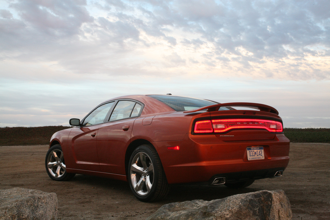 2011 Dodge Charger R T Or 2011 Ford Taurus Sho