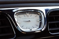 2011 Chrysler 200 analog clock