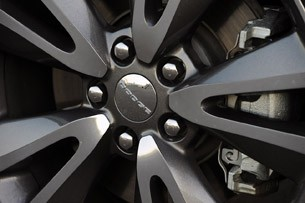 2011 Dodge Durango wheel detail