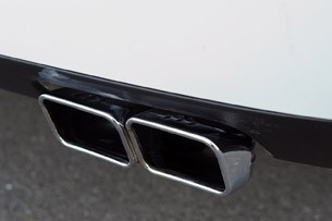 2011 Dodge Challenger SRT8 392 exhaust system