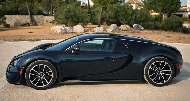 2011 Bugatti Veyron Super Sport side view