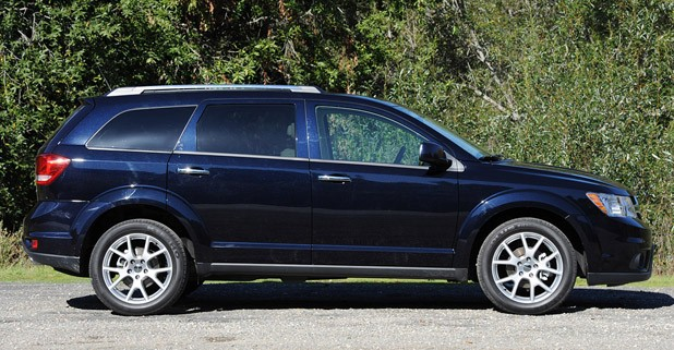 2011 Dodge Journey side view