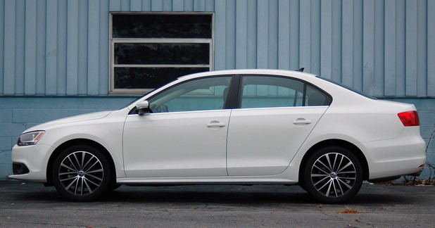 2011 Volkswagen Jetta side view