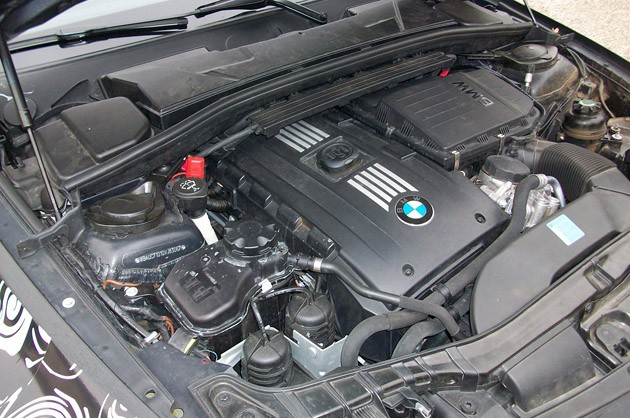2012 BMW 1-Series M Coupe Prototype engine