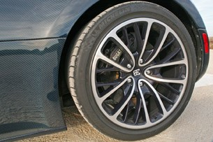 2011 Bugatti Veyron Super Sport wheel