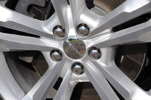 2011 Dodge Charger wheel detail