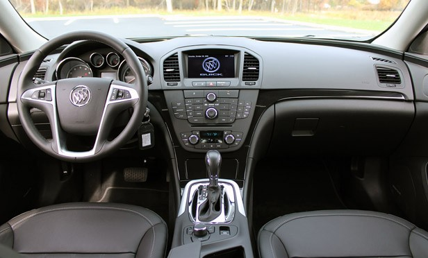 2011 Buick Regal CXL interior