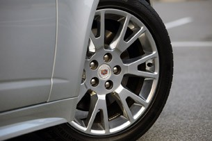 2011 Cadillac CTS Coupe wheel