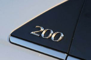 2011 Chrysler 200 badge