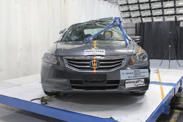 2011 Honda Accord crash test
