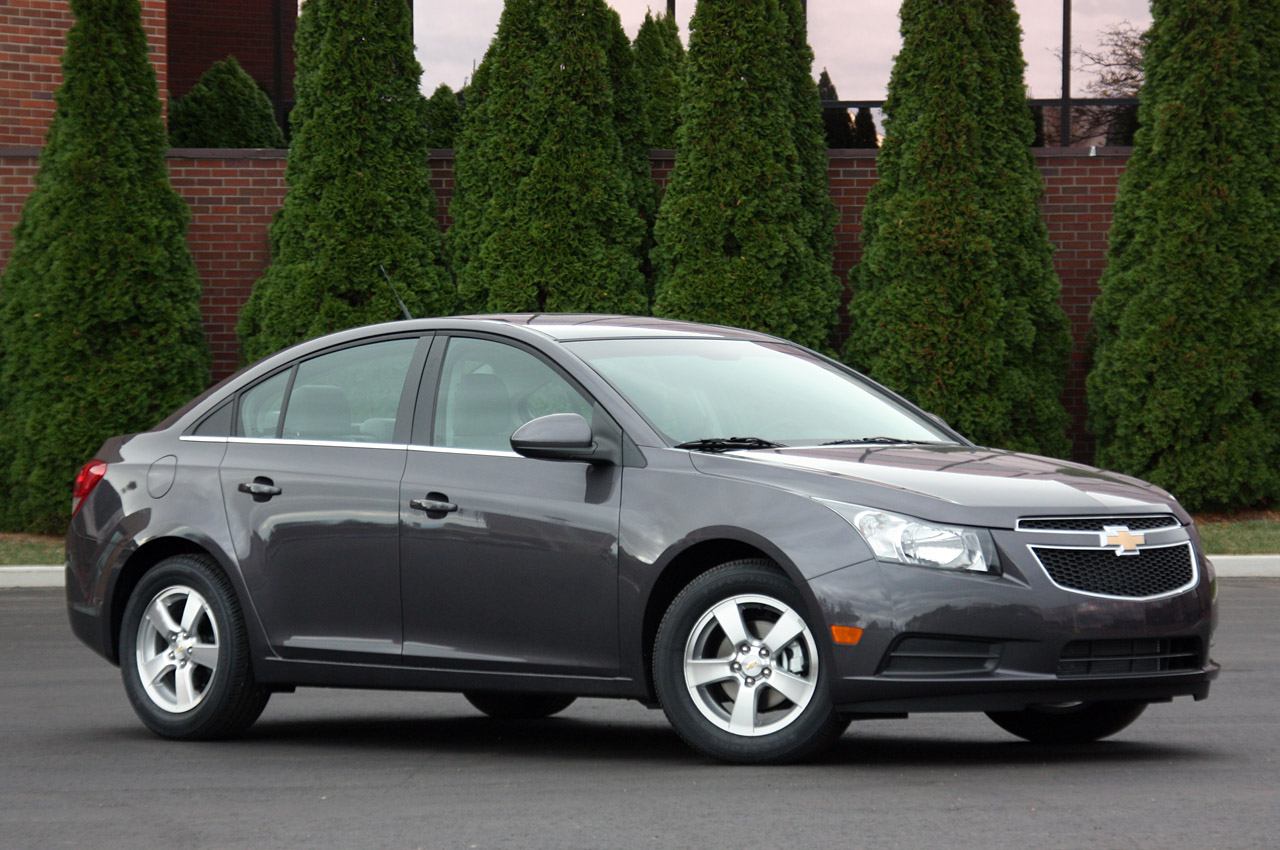 2012 Chevrolet Cruze gets twice as good nav system for ...