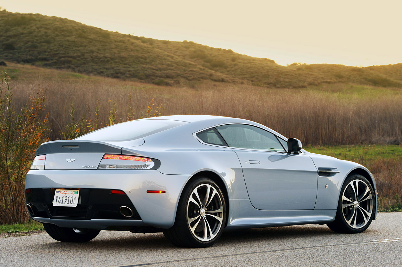 2011 aston martin v12 vantage first drive photo gallery autoblog. Black Bedroom Furniture Sets. Home Design Ideas