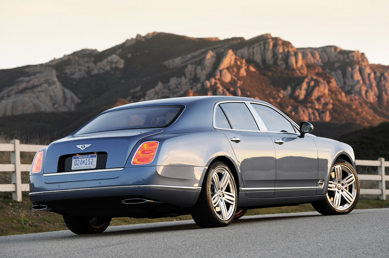 http://www.blogcdn.com/www.autoblog.com/media/2010/12/02-2011-bentley-mulsanne-review.jpg