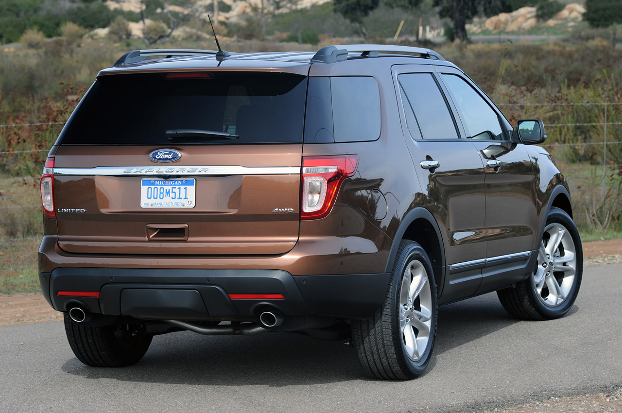 2011 ford explorer first drive photo gallery autoblog. Black Bedroom Furniture Sets. Home Design Ideas