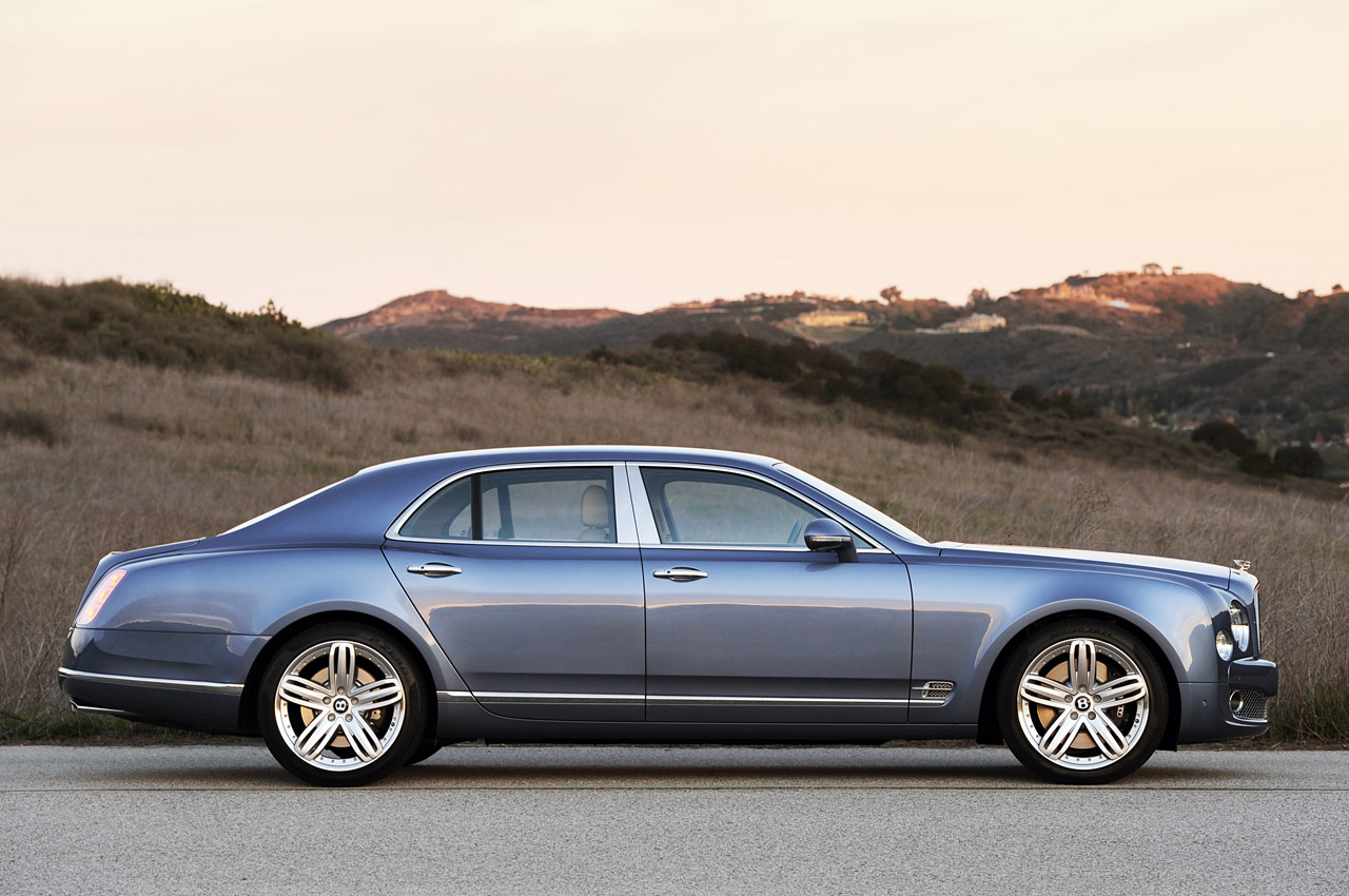 http://www.blogcdn.com/www.autoblog.com/media/2010/12/05-2011-bentley-mulsanne-review.jpg