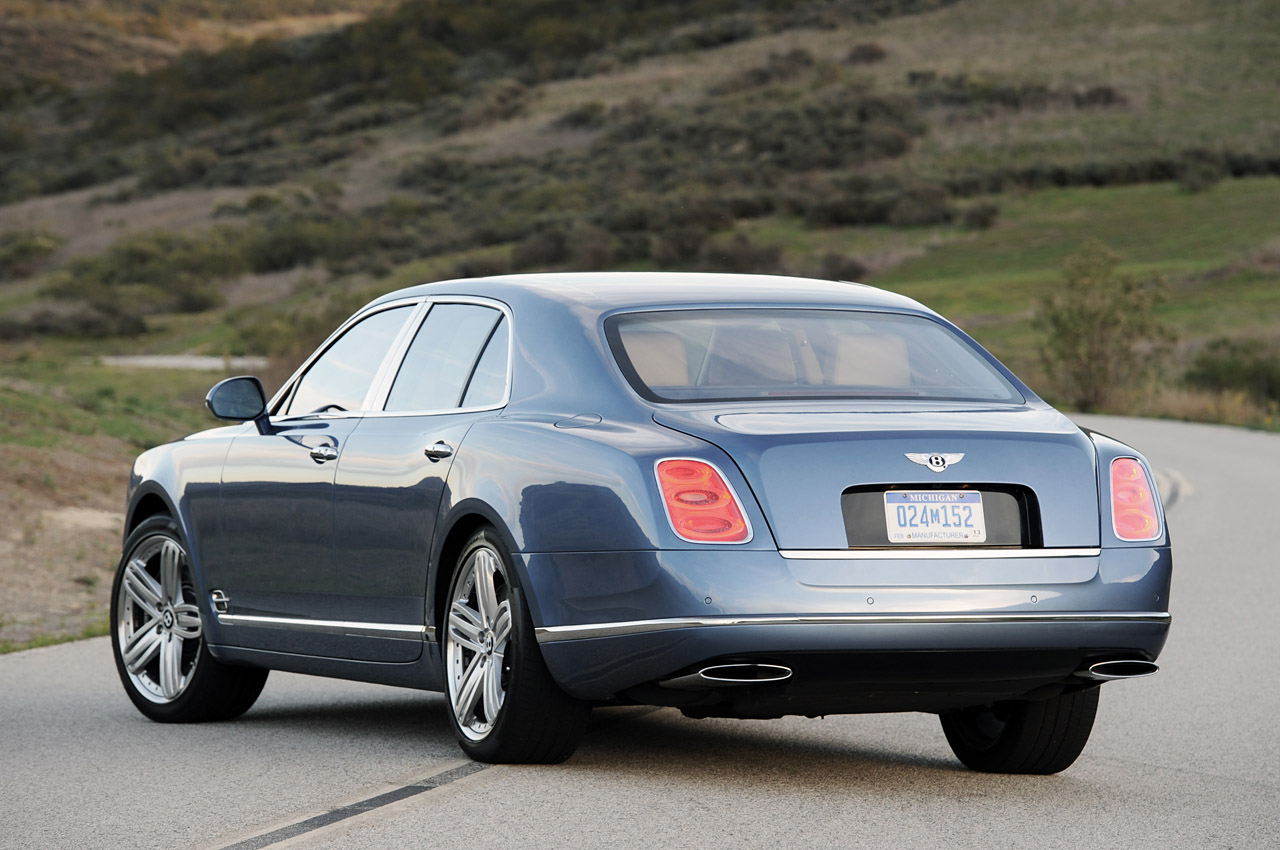 http://www.blogcdn.com/www.autoblog.com/media/2010/12/11-2011-bentley-mulsanne-review.jpg
