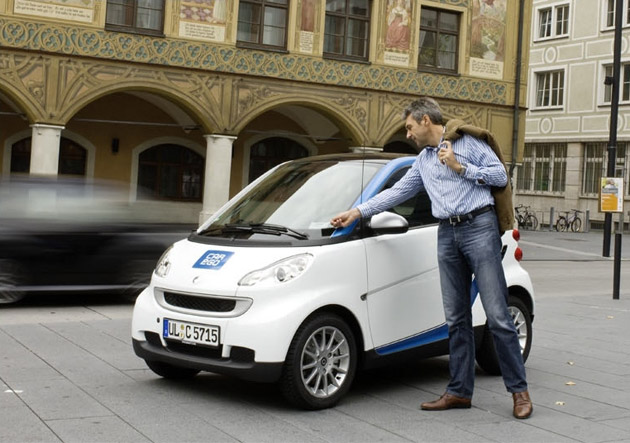 Report: BMW, Mercedes experiment with upscale car-sharing