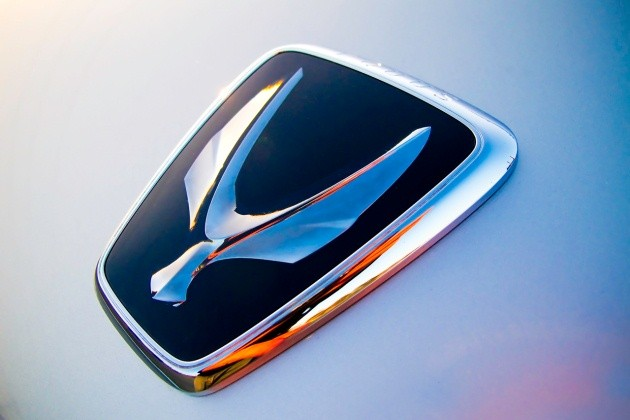 Hyundai Equus badge