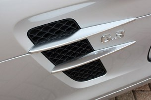 2010 Mercedes-Benz SLS AMG side vent