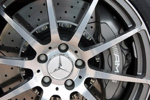 2010 Mercedes-Benz SLS AMG wheel detail